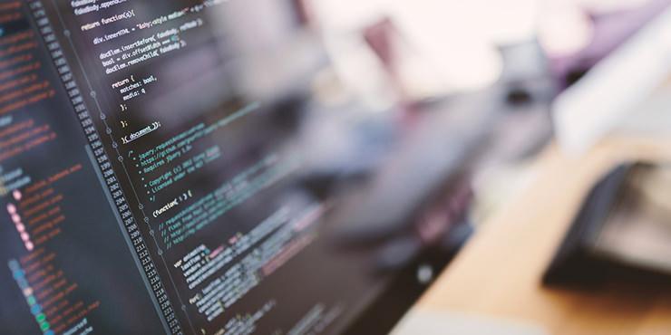 ホームページ運営・管理は自社ですべきか、制作会社に任せるべきか